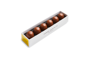 Ruler with 6 iced Vanilla Pralines Pierre Marcolini